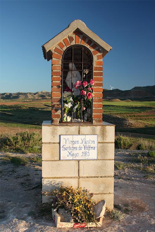 Peirón de la Virgen de Valfría erigido en mayo de 1981.