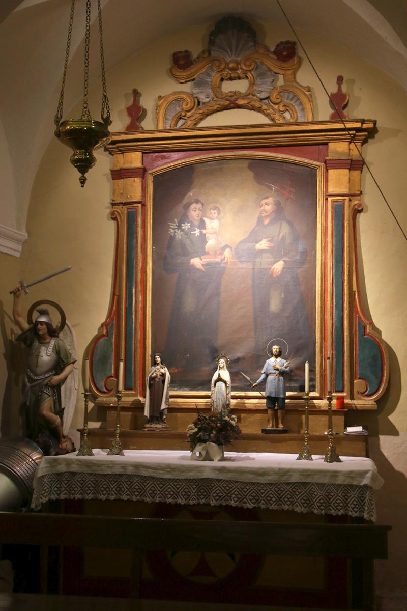 Capilla de San Antonio y San Francisco de Asís, iglesia de Botorrita.