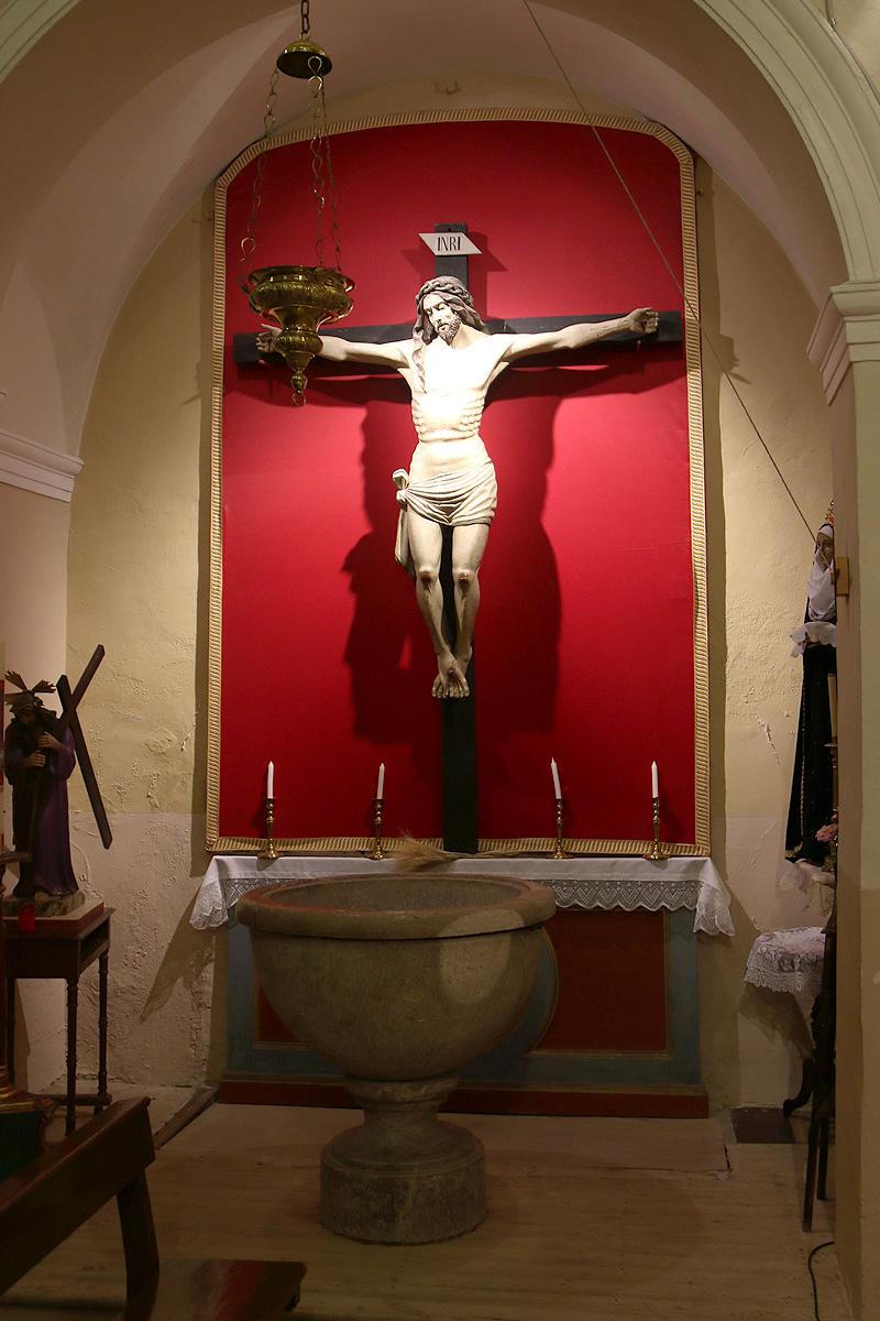 Capilla de Cristo crucificado, iglesia de Botorrita.
