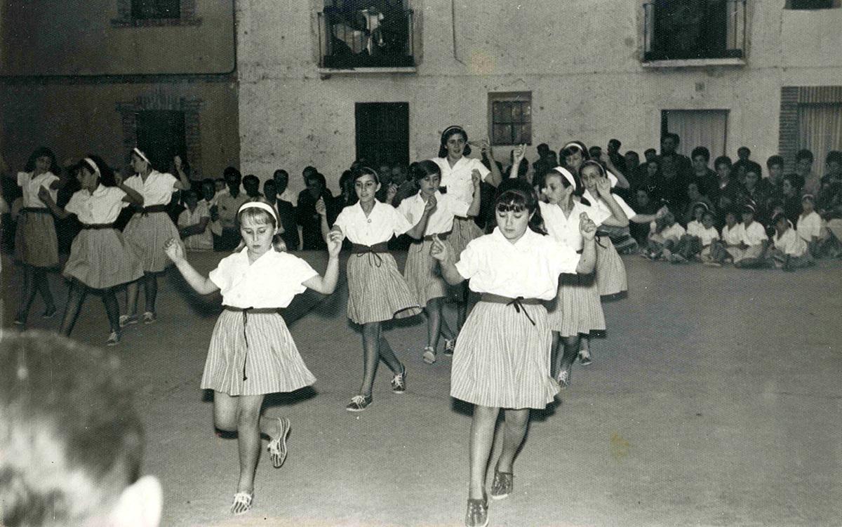 Demostración de baile en el frontón. Foto: Paquita Pérez